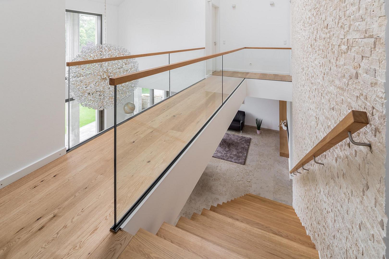 Unglaublich Schwebende Treppe Beste Wahl Schwebende-stufen-holztreppe-kragwerk